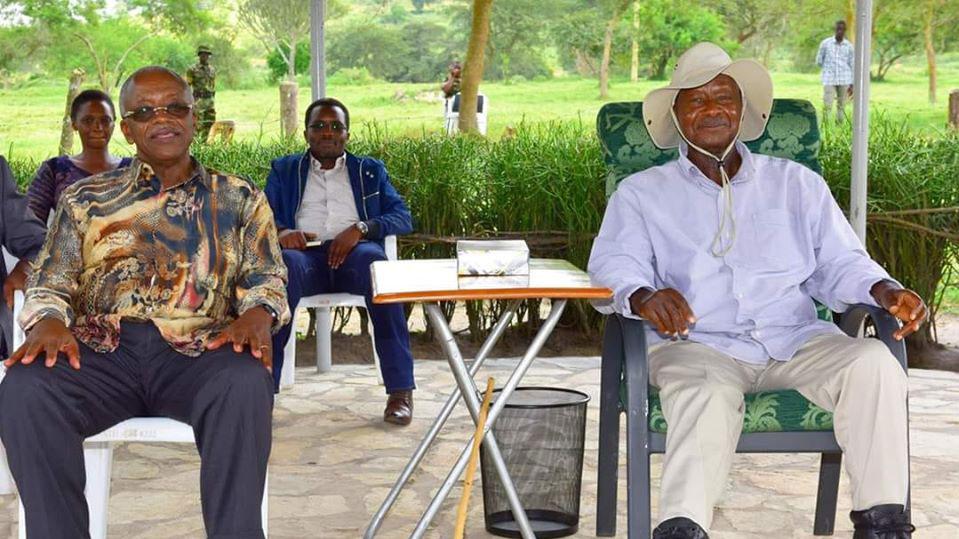 Amama Mbabazi with President Museveni
