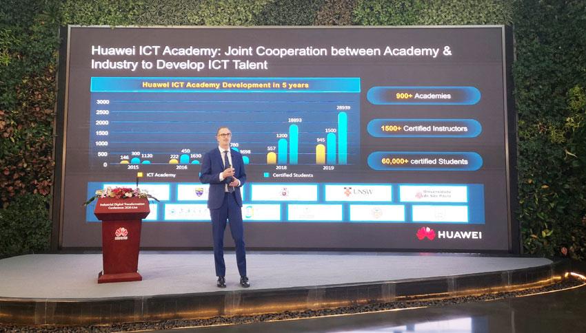 Hank Stokbroekx, Vice President Enterprise Service, Huawei Enterprise