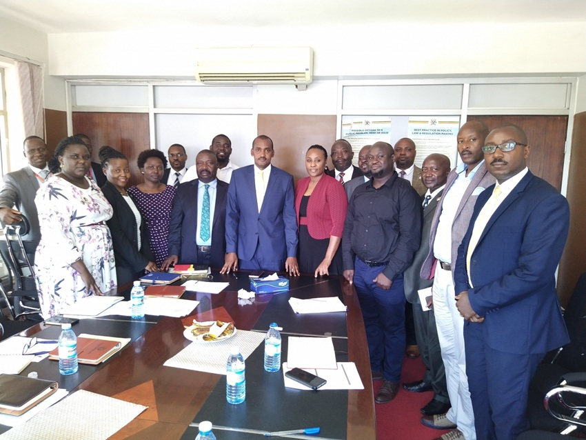 Ministers Frank Tumwebaze and Mwesigwa Rukutana with executive members of UAERA after the meeting on Tuesday