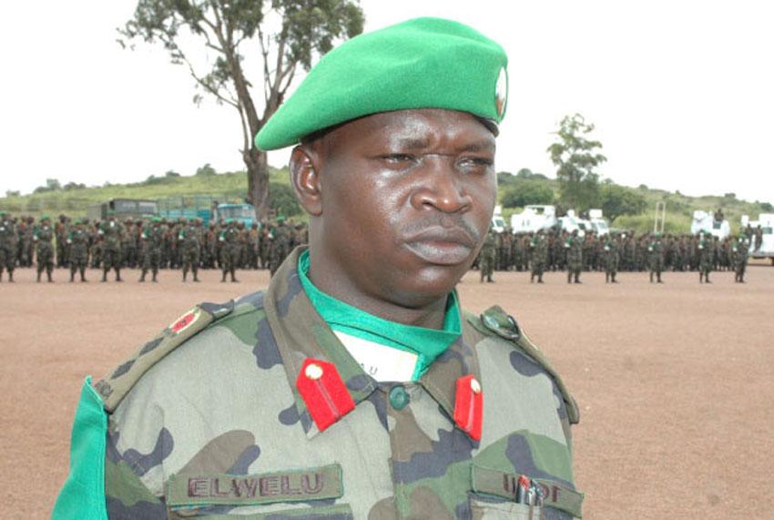 Lt. Gen. Peter Elwelu nga akyali mu Ggye lya AMISOM