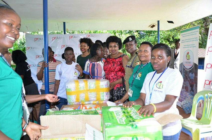 Police, PRAU donate to teenage mothers
