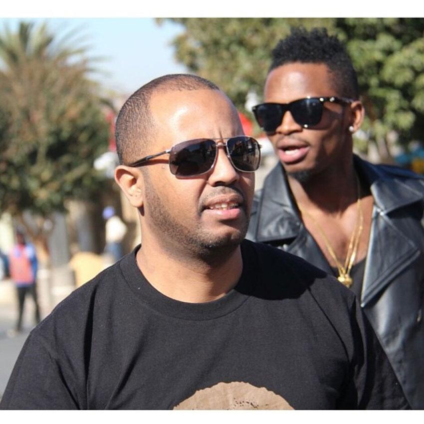 Manager Sallam with singer Diamond Platnumz