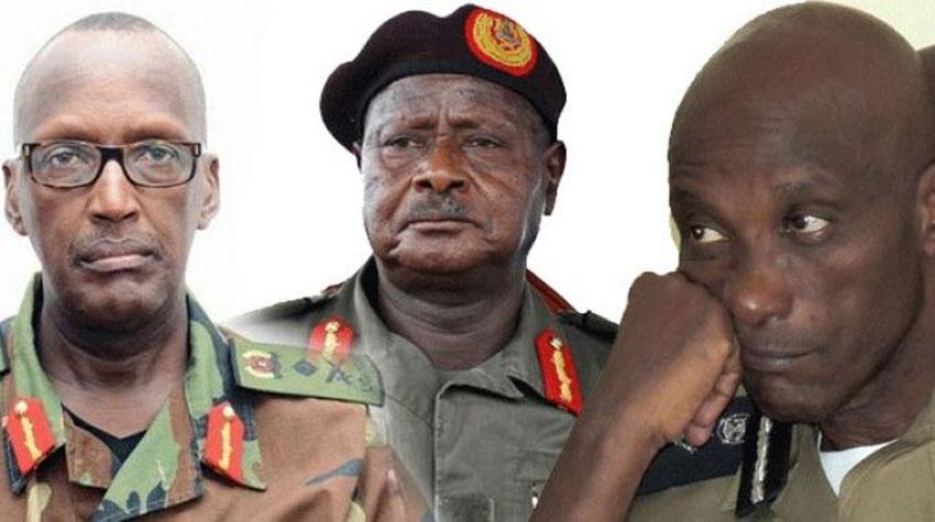 L-R: Gen Henry Tumukunde, President Museveni and Gen Kayihura