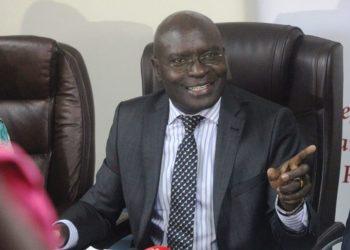Omulamuzi Simon Byabakama akulira akakiiko ke by'okulonda mu Ggwanga
