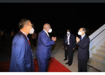 Minister Kutesa welcoming HE Yang Jiechi At Entebbe Airport