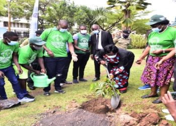 Speaker Rebecca Kadaga (C) planting a tree at Parliament during the launch of the initiative to plant 200 million trees by 2025