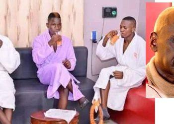 Abavubuka Alex Mukulu mu katono be yalangira okuwunya