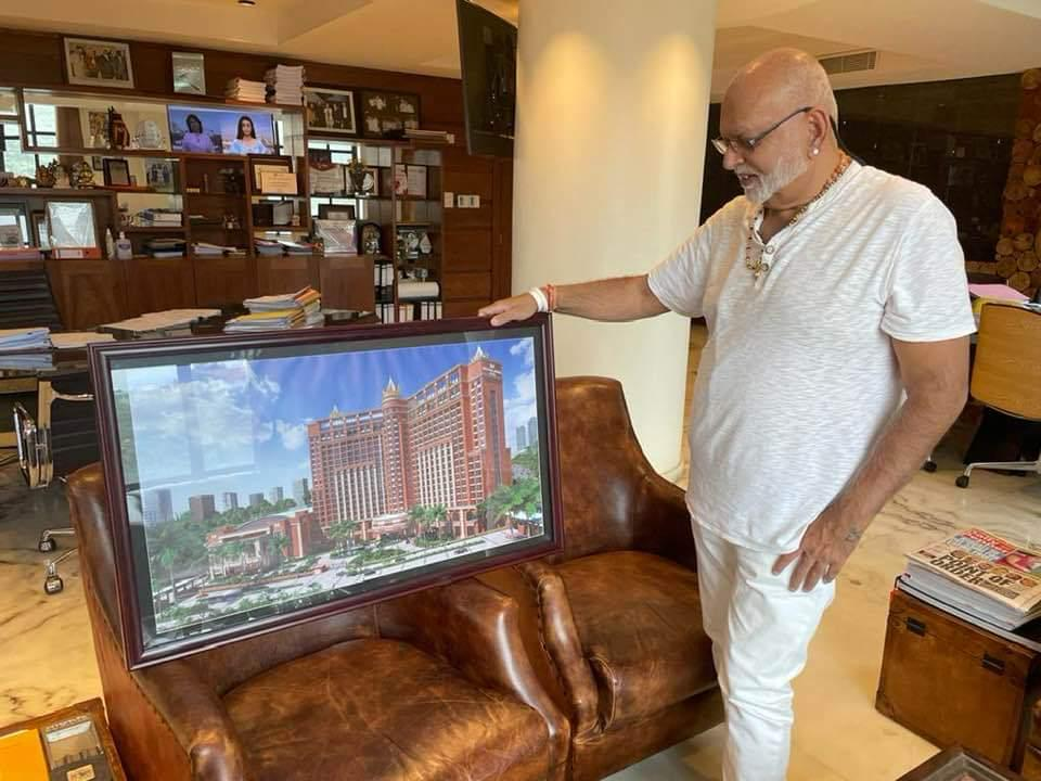 Sudhir admires signature architectural look of his planned hotel