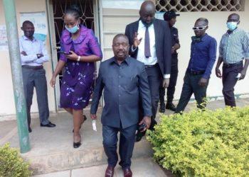 Minisita Mwesigwa Rukutana n'abomumakaage oluvanyuma lwa kkooti okumwejjereza emisango e Ntungamo