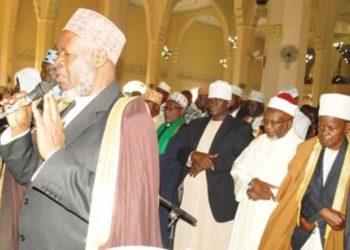 Mufti Mubajje leading prayers at Old Kampala Mosque