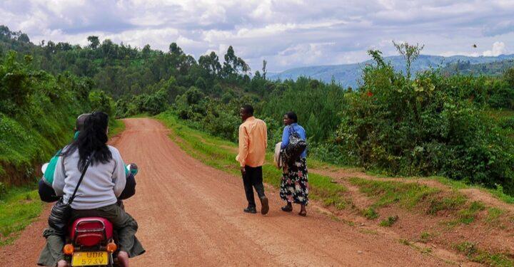 Lake Bunyonyi road