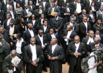 Prosecutors under their Uganda Association of Prosecutors (UAP)