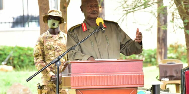 President Yoweri Museveni responding issues raised by Leaders from Karamoja  region at the State Lodge Morolinga in Moroto district on 10th September 2021. Photo by PPU / Tony Rujuta