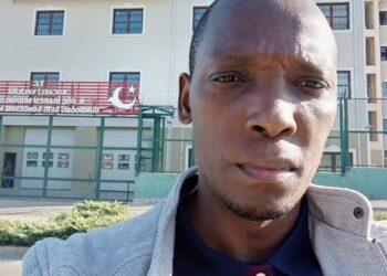 MP Nkunyingi at the detention centre where Lumbuye ia being kept