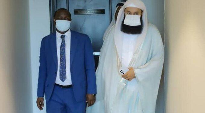 Pablo Bashir with Mufti Menk
